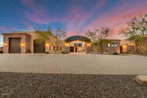 318 W Rock View Road Phoenix, Az 85085