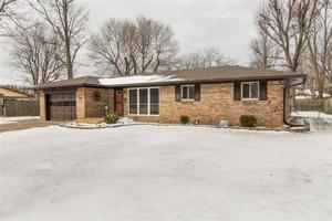 646 Oak Drive Greenwood, In 46142