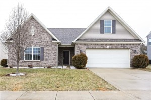 1223 Wolf Run Way Greenwood, In 46143