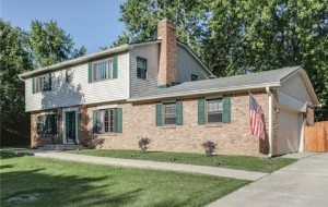 670 Colonial Way Greenwood, In 46142
