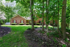 2940 Sinclair Wood Drive Indianapolis, In 46240