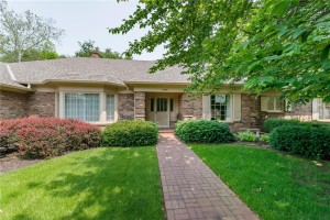 7949 Beaumont Green East Drive Indianapolis, In 46250