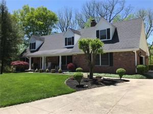 530 Lawnwood Drive Greenwood, In 46142