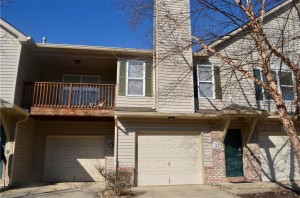 428 Creekwood Drive Unit 208 Avon, In 46123