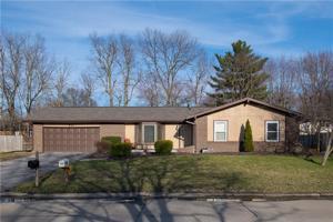 931 Wood Creek Place Greenwood, In 46142