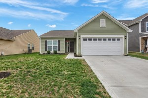 877 Coralberry Lane Greenwood, In 46143