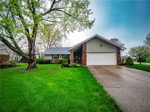 1605 Irongate Circle Zionsville, In 46077
