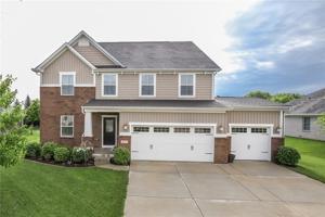 1737 Saratoga Drive Greenwood, In 46143