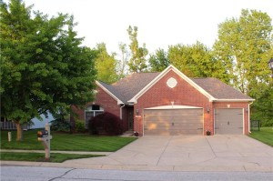 3399 Pineleigh Wy Greenwood, In 46143