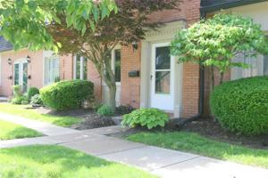 1121 Canterbury Square S Indianapolis, In 46260