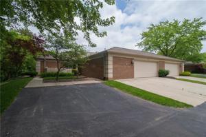 8512 Bent Tree Court Unit 8512 Indianapolis, In 46260