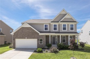 1329 Donald Pass Greenwood, In 46143
