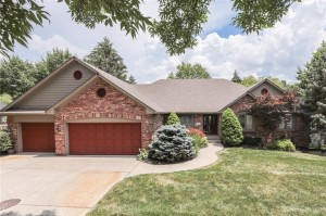 1427 Eagle Valley Drive Greenwood, In 46143
