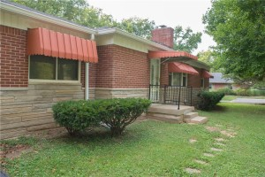 5530 Woodside Drive Indianapolis, In 46228