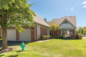 9386 Spring Forest Drive Unit 49 Indianapolis, In 46260