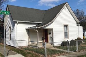 190 West Pine Street Zionsville, In 46077