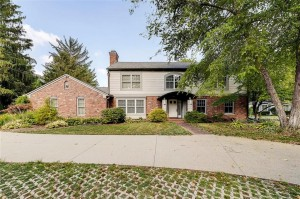 8162 Round Hill Court Indianapolis, In 46260