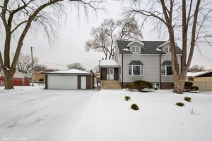 10218 South Eleanor Avenue Palos Hills, Il 60465