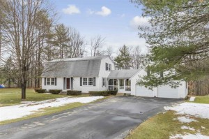 24 Evergreen Drive Bow, Nh 03304