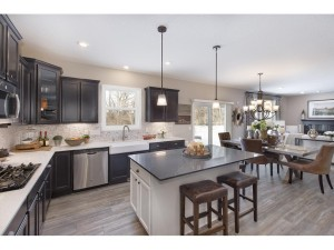 7207 Oakridge Trail Shakopee, Mn 55379