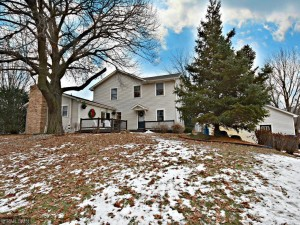 1331 Ashton Court Chanhassen, Mn 55317