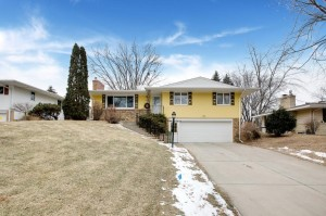 3308 Skycroft Circle Saint Anthony, Mn 55418