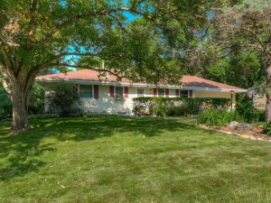 3335 Noble Avenue N Golden Valley, Mn 55422