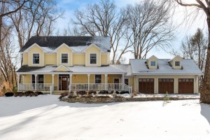 15800 Woodknoll Lane Minnetonka, Mn 55345