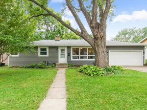 4517 Maryland Avenue N Crystal, Mn 55428