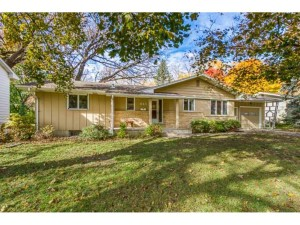 4145 Hampshire Avenue N Crystal, Mn 55427