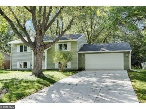 7441 Drew Avenue N Brooklyn Park, Mn 55443