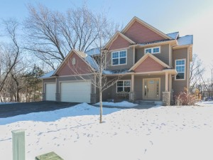13702 Grafton Court Apple Valley, Mn 55124