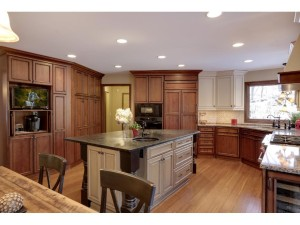 8718 Sandro Road Bloomington, Mn 55438