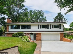 1921 Quebec Avenue N Golden Valley, Mn 55427