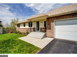 504 Chapel Court Eagan, Mn 55121