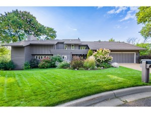300 Eagle Ridge Circle Burnsville, Mn 55337