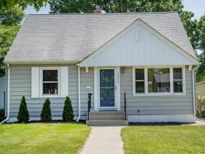 3215 Ulysses Street Ne Minneapolis, Mn 55418