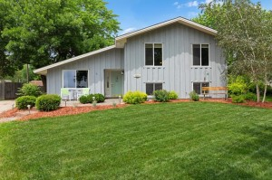 1045 Baldwin Drive Apple Valley, Mn 55124