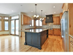 8647 Stonefield Lane Chanhassen, Mn 55317