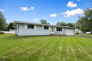 6847 8th Street Lane N Oakdale, Mn 55128