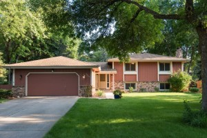 10805 39th Avenue N Plymouth, Mn 55441