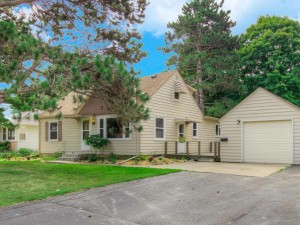 6745 Olympia Street Golden Valley, Mn 55427