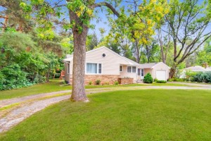 5018 Bald Eagle Avenue White Bear Lake, Mn 55110