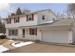 2365 Cavell Avenue N Golden Valley, Mn 55427