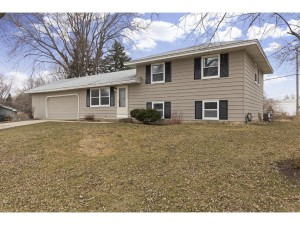 921 Oriole Drive Apple Valley, Mn 55124