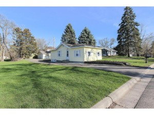 2740 Larch Lane N Plymouth, Mn 55441