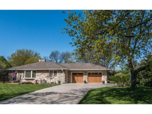 4 Hawthorne Road Hopkins, Mn 55343