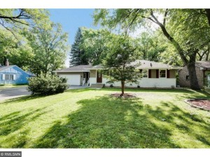 4714 Lakeview Avenue N Brooklyn Center, Mn 55429