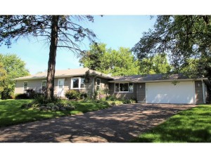 10106 Crestridge Drive Minnetonka, Mn 55305