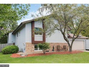 1674 Walnut Lane Eagan, Mn 55122
